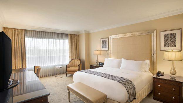 Deluxe Suite bed room