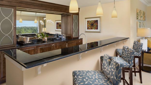 Waldorf Suite bar and living room