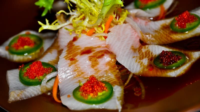 Zeta Bar & Sushi Lounge