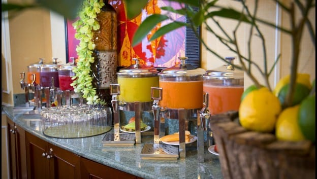 cold pressed juice stand