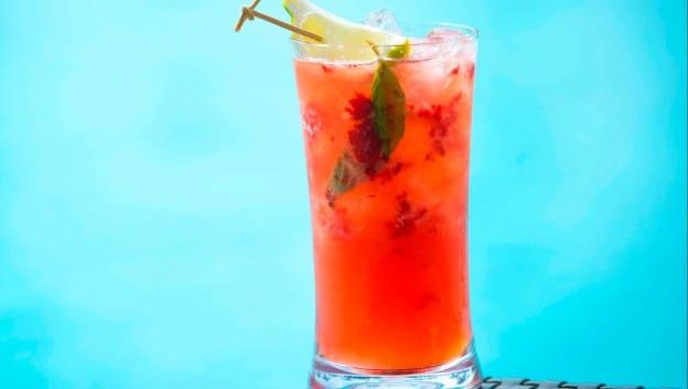 strawberry mojito poolside at aquamarine