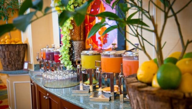 breakfast juice bar at Oscar's